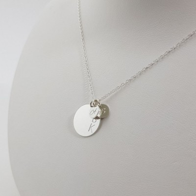 Mom silver Necklace with Kids Initials | Sterling silver | 16 x 16 mm i 7 x 7 mm