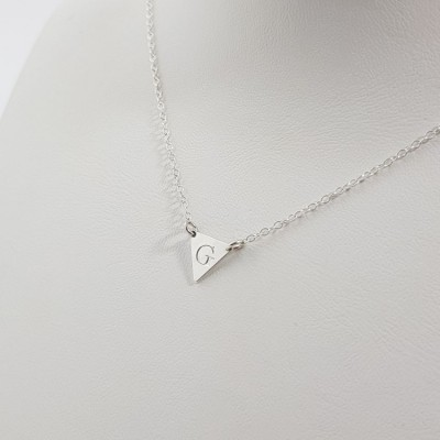 Silver triangle necklace with initials | Sterling silver | 10 x 8,8 mm