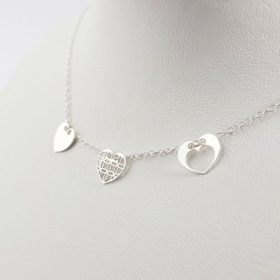 Silver personalized 3 hearts dainty necklace | Sterling silver | 10 x 9 mm