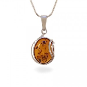 Amber pendant | Sterling silver | Height - 31mm, Width - 16mm | Weight - 2,7g | ZD.962