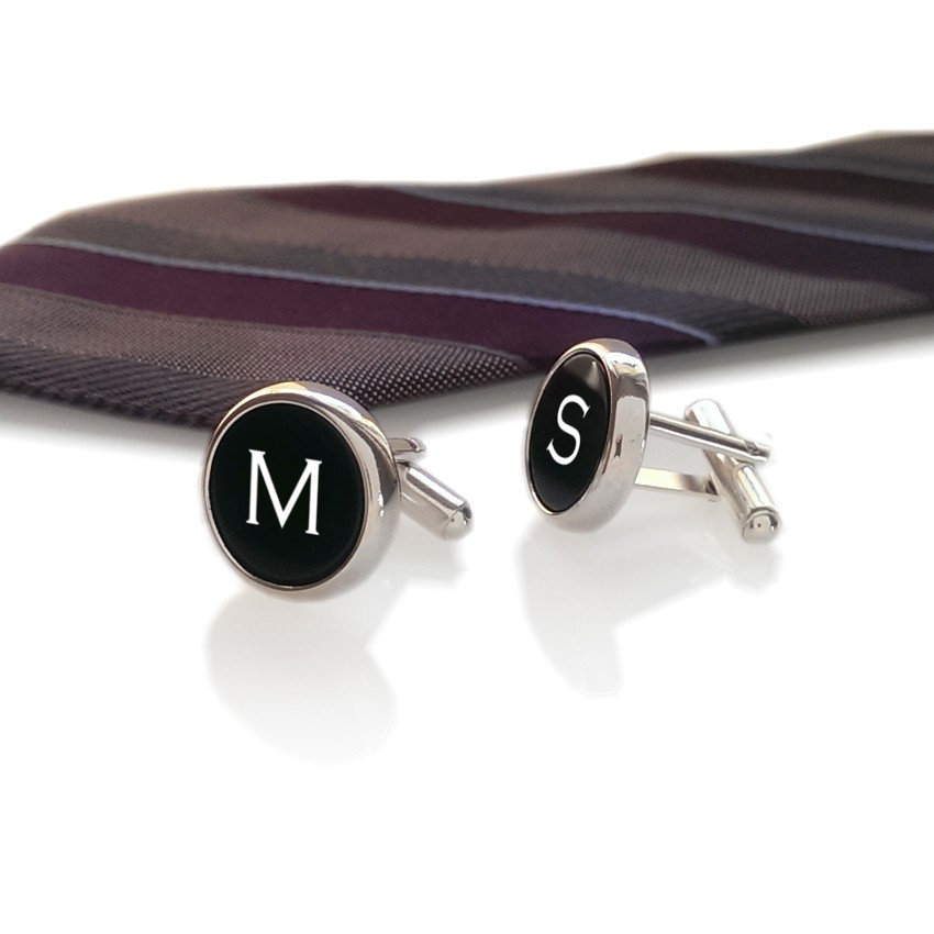 Initial cufflinks with engraving on onyx gemstone | Sterling sillver | Available in 10 fonts | ZD.110