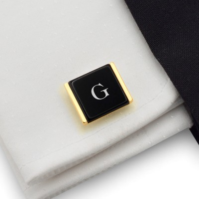 Gold cufflinks with engraved initials on Onyx gemstone | Sterling silver gold plated | Available in 10 fonts | ZD.76Gold