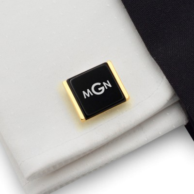 Gold cufflinks with monogram on Onyx gemstone | Sterling sillver gold plated | Available in 10 fonts | ZD.78Gold
