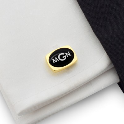 Gold cufflinks with engraved monogram on Onyx gemstone | Sterling silver gold plated | Available in 10 fonts | ZD.79Gold