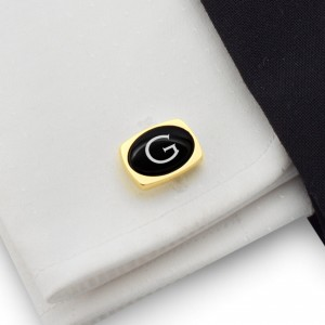 Gold cufflinks with engraved initials on Onyx gemstone | Sterling silver gold plated | Available in 10 fonts | ZD.85Gold
